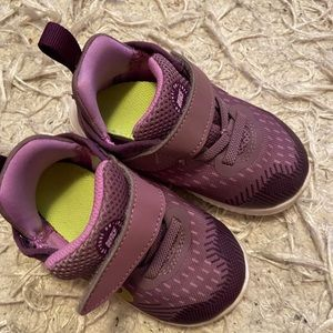 Toddler girl Nike shoes size 7